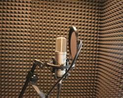 Шумоизоляция студии звукозаписи акустическим поролоном
