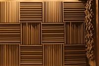 Акустическая коррекция и звукоизоляция домашнего кинотеатра панелями из акустического поролона и звукоизоляционными материалами macsound prof