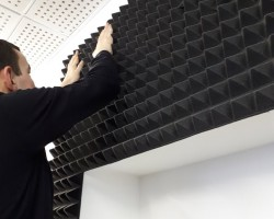 Акустическая коррекция помещения для программистов акустическим поролоном Пирамида