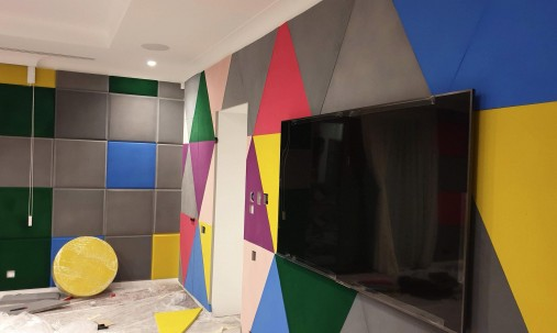 Пример применения Акустическая плита треугольник Ecosound Grey 500х500х30мм цвет серый