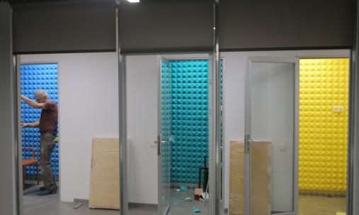 'Пример применения '.Панель из акустического поролона Ecosound пирамида 90мм Mini, 0,5х0,5м черный графит