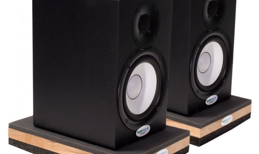 Пример применения Подставки под акустическую аппаратуру Ecosound Professional Wood mini  66х50 цвет светлый дуб
