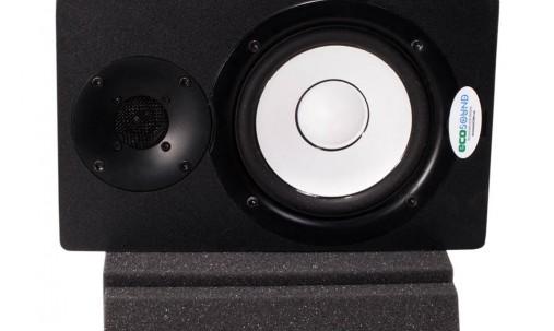 Пример применения Подставки под акустическую аппаратуру Ecosound Professional Wood 112х50см цвет светлый дуб